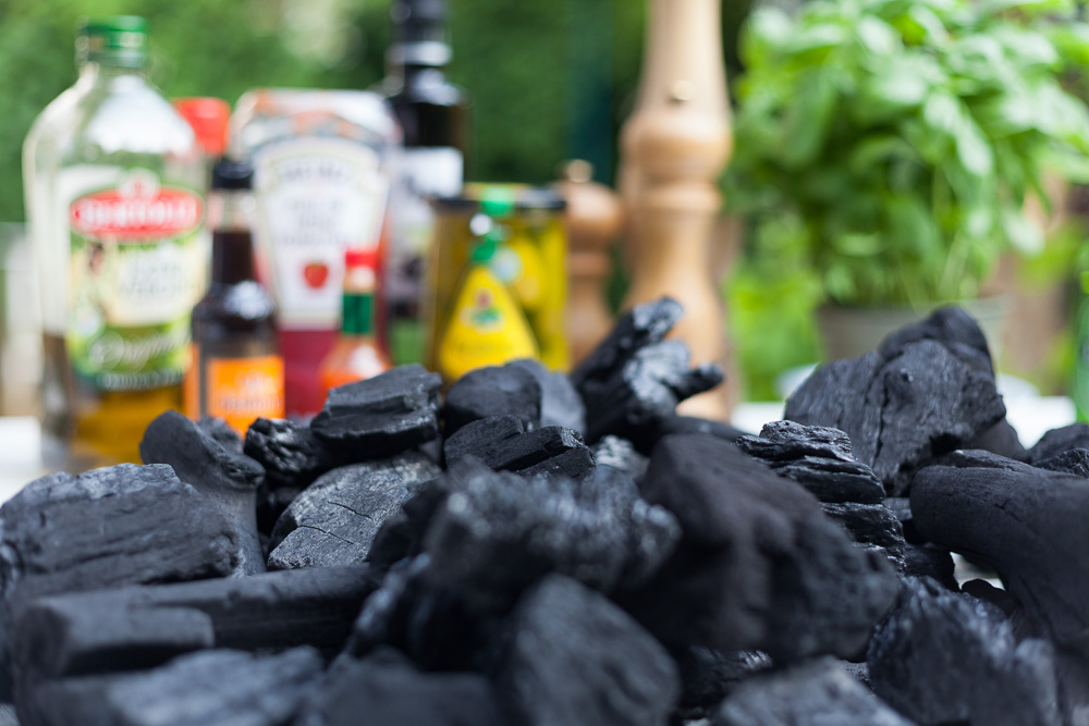 Houtskool kopen bij een benzinepomp? Nooit, nie, jamais, never!